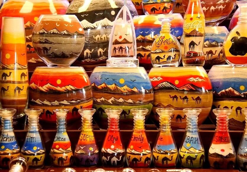 Какие сувениры привезти из Дубая